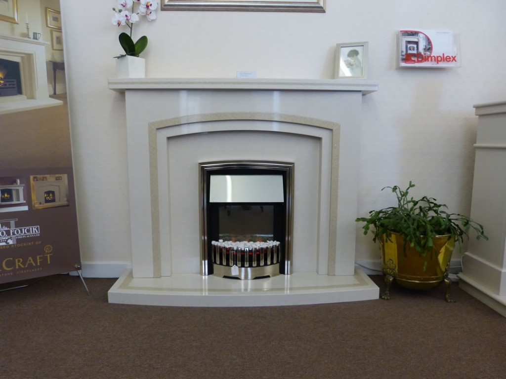 Dimplex rockport in a kingston surround