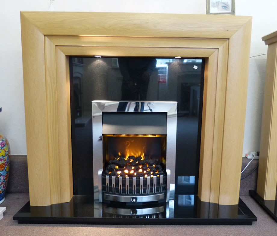 Dimplex Danville in a Sieste oak fireplace