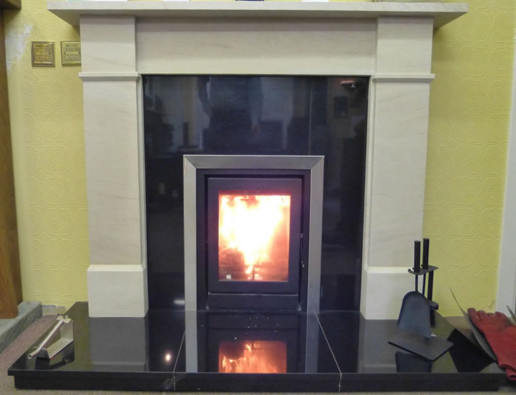 Fireline stove with sandstone mantle